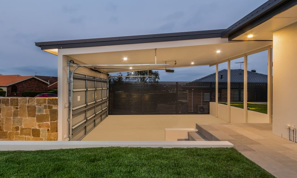 Horizontal colour bond screening, skillon roof, Clancy wall cladding