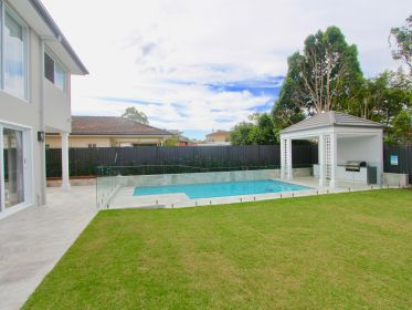 Backyard Coorparoo Pool House
