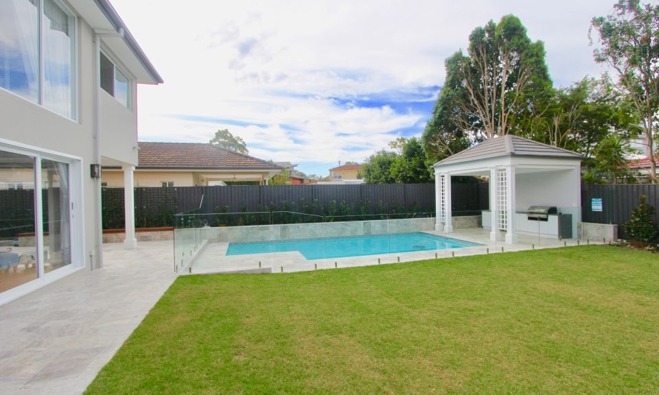 Backyard Coorparoo Pool House